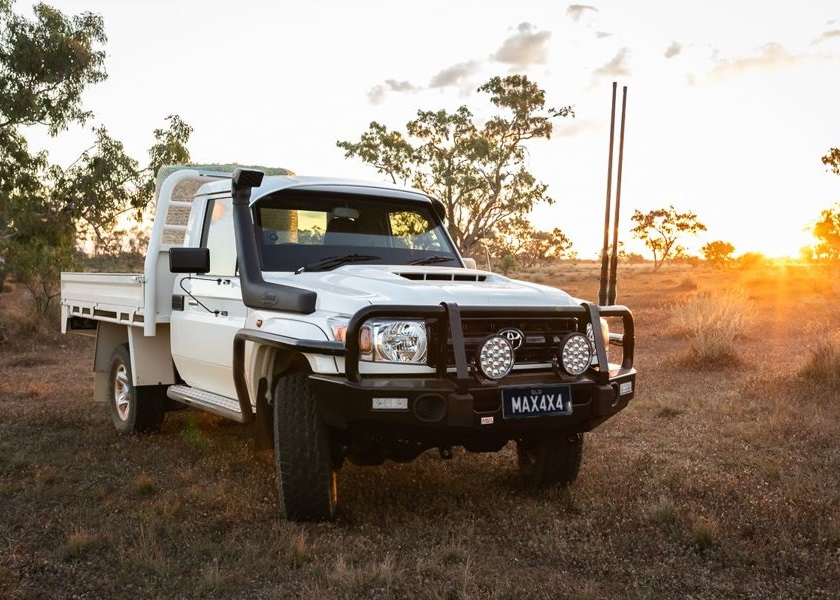 MAX 4x4 accessories Land Cruiser 70 Series LC70 quality steel bull bar. The best bar for your 4WD. With optional fog lights, embossed overriders, rated, LED indicator lights, rated tow/recovery points.